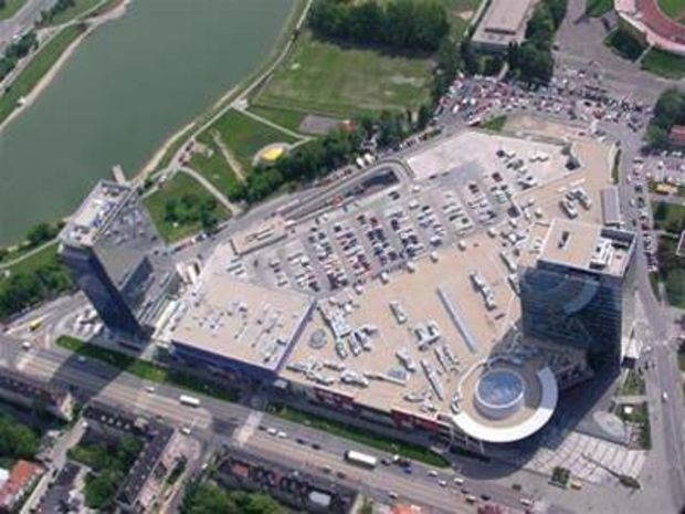 Obchodné centrum Polus