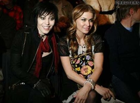 is joan jett dating carmen electra More about the joan jett and billy idol dating / relationship more about the joan jett and jenna jameson dating / relationship more about the joan jett and carmen electra dating.