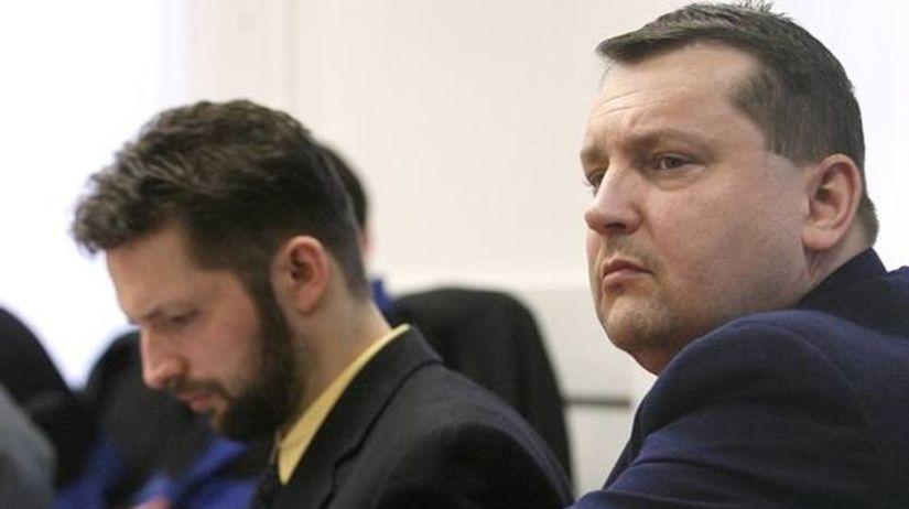 Dávid Brtva a Patrik Pachinger do väzenia nenastúpili, nie sú ani v pátraní - Domáce - Správy - Pravda.sk