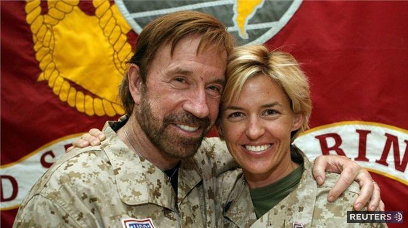 Chuck Norris Ma Toľko Rokov Koľko Si Povie Cochviľa 70 Film A