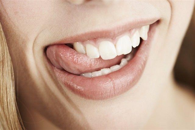 ústa - dych - zuby - úsmev