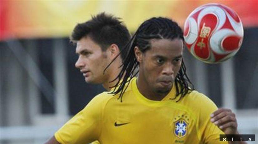 2ddeb86855fc6 Ronaldinho o neúčasti na MS: Cítim krivdu, diali sa čudné veci - MS Futbal  2014 - Majstrovstvá sveta vo futbale 2014 v Brazílií - Šport - Pravda.sk