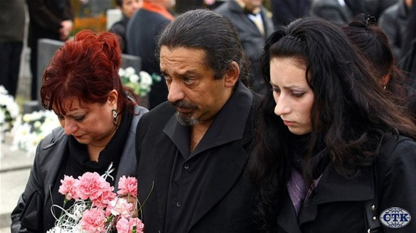 b6971d68e Na pohrebe Berkyho-Mrenicu bolo ako na koncerte - plno - Hudba - Kultúra -  Pravda.sk