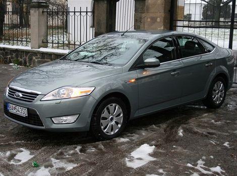Fordov kinetický dizajn Mondeu veľmi pristane.