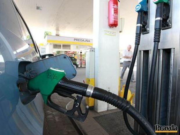 Benzín, nafta, ropa, pumpa