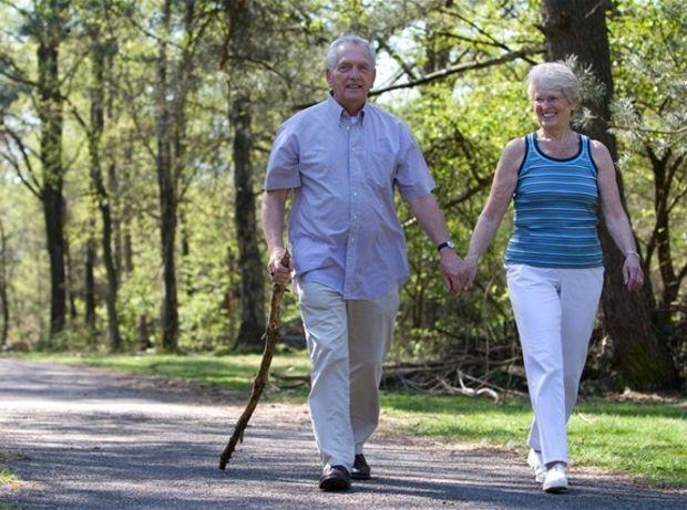 dôchodca, dôchodok, oddych, les, prechádzka
