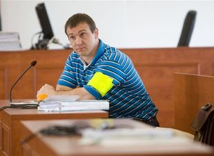 Róbert Okoličány zostáva za mrežami, figuruje totiž v prípadoch, ktoré rieši Špecializovaný trestný súd.