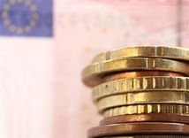 euro, peniaze, hotovosť