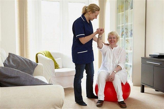 starostlivosť - opatera - opatrovateľská služba - sestra - rehabilitácia