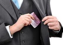 milionár, peniaze, euro, boháč, podnikateľ, manažér