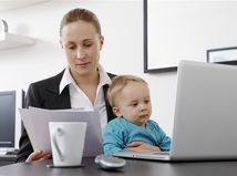 mama, pracujúci rodičia, dieťa, rodina, rodičovský, materská