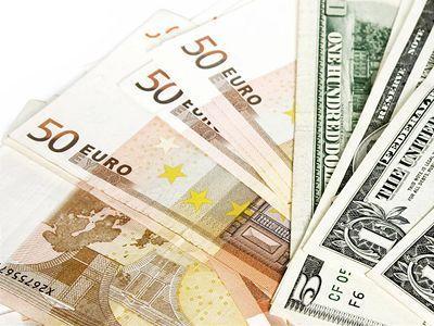 Dolár, euro, mena, peniaze