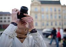 turista, turistka, dovolenka, fotoaparát