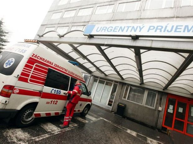 nemocnica, sanitka, zdravie, zachranár, zdravotník