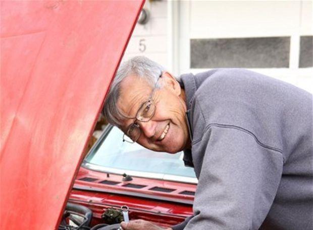 opravár, dôchodca, pracujúci, servis, auto