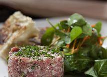 Dáte si tatarák či ustrice? Francúzska kuchyňa je opäť v móde