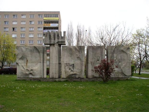 Sochu Jozefa Jankoviča Čas zbúrali vo štvrtok, musela uvoľnil miesto stavbe Lidlu.