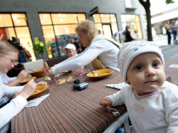 núdza, dieťa, jedlo