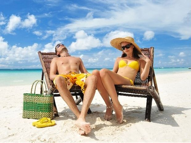 opaľovanie, slnko, slnenie, leto, pláž, alergia, dovolenka, znamienko