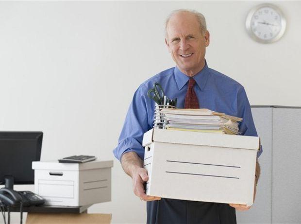 dôchodok, dôchodca, dokumenty, doklady, krabica, výpoveď