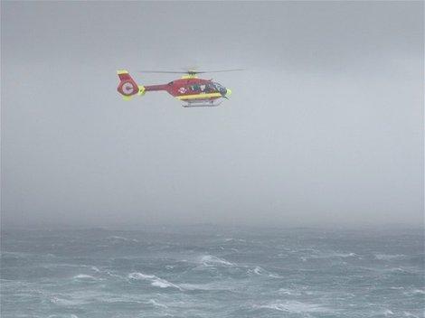 vrtulník, záchranáři, bouře