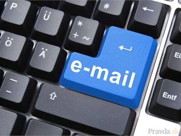 e-mail, pošta, poštová schránka, klávesnica, enter, nevyžiadaná pošta, spam