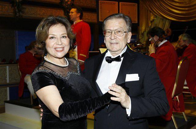 Manželia Emília Vášáryová a Milan Čorba na tanečnom parkete.