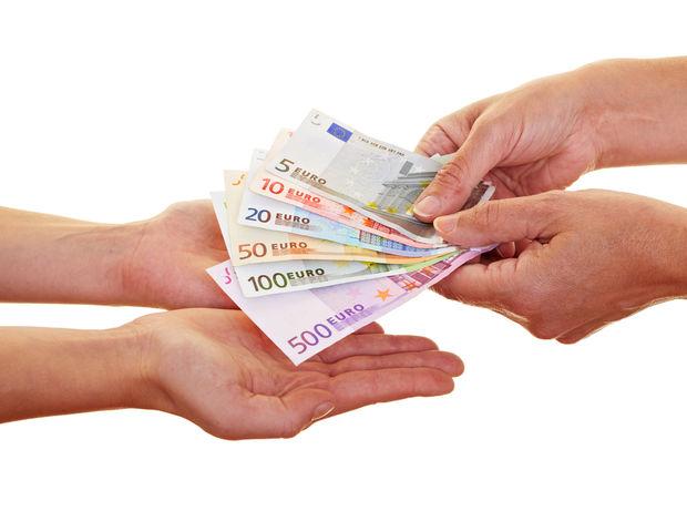 peniaze, dar, úver, splátka