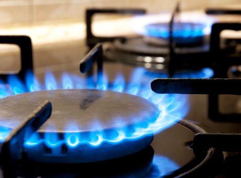 Energie budú lacnejšie, elektrina o 5 percent, plyn o percento
