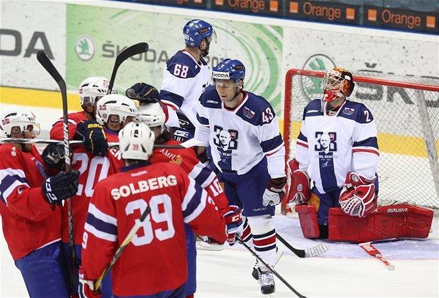 Gólová radosť v podaní nórskych hokejistov verzus rozčarovanie Slovákov.