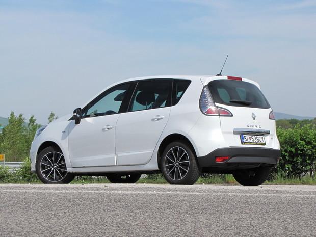 Nedávny facelift Renaultu Scénic prospel.
