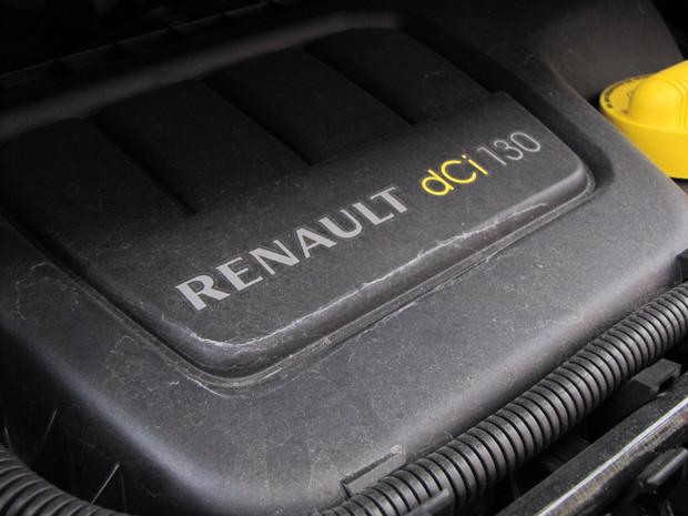 Rozvody sú poháňané kombináciou reťaze a ozubeného prevodu Seasers (rovnako ako na motore 2.0 dCi).