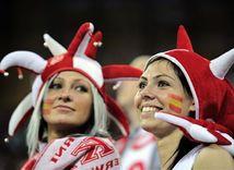 Španielski fanúšikovia.