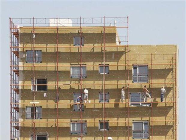 bytovka, stavba, byty, zateplenie, stavbári