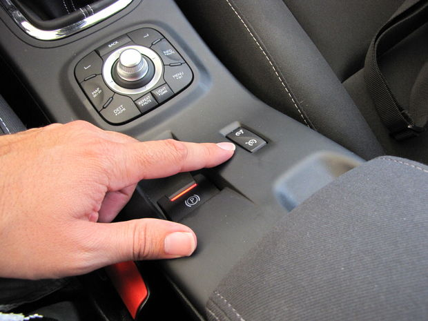 Týmto sú Renaulty povestné, tlačidlo tempomatu nájdete vždy tam, kde to čakáte najmenej.