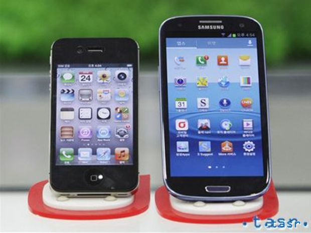 iPhone 4S, Samsung Galaxy S3