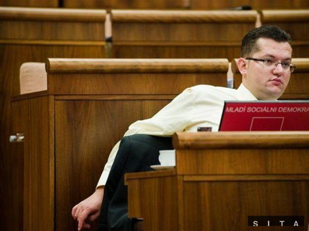 Andrej Kolesík, Smer