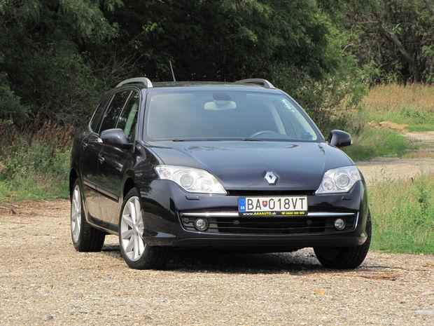 Predná časť Laguny III (na obr.) sa zákazníkom veľmi nepáčila, Renault sa preto s faceliftom dosť poponáhľal.