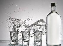 Alkohol, vodka, krčma, tvrdý alkohol