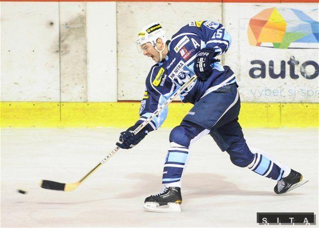 Dres Nitry obliekol Jozef Stümpel, niekdajšia hviezda NHL.