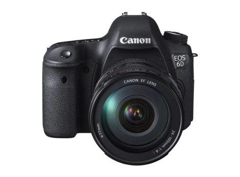 Canon predstavil základnú plnoformátovú zrkadlovku EOS 6D.
