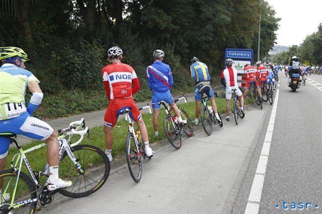Cik-pauza cyklistov.
