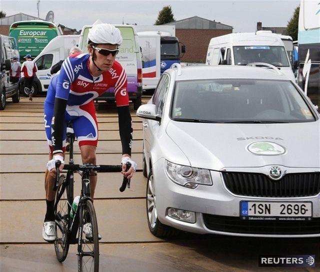 Jeden z favoritom, Brit Bradley Wiggins, preteky nedokončil a odstúpil predčasne.
