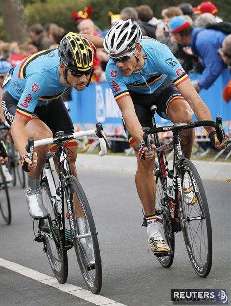 Belgický rozhovor. Vpravo nový majster sveta Philippe Gilbert a Tom Boonen.