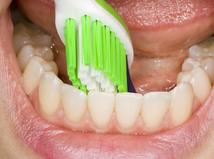 zuby - ďasná