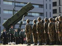 Japonsko, raketa, vojaci