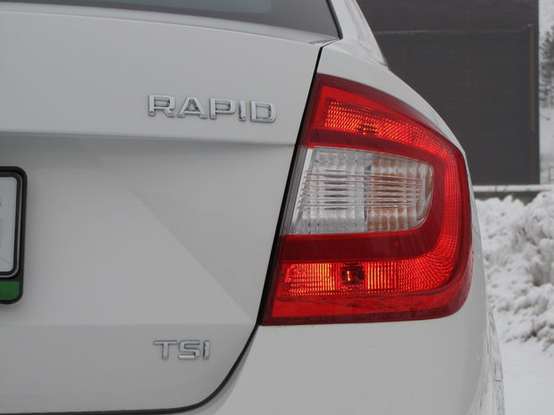 Za 330 eur vám Škoda dodá tzv. Greentec paket (pneumatiky s nižším valivým odporom, štart-stop systém, rekuperácia brzdnej energie.