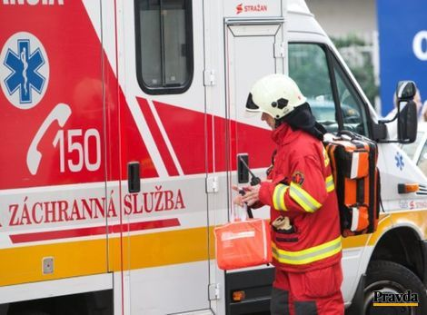 Pri Spišskom Štvrtku havaroval autobus, zomreli dve ženy