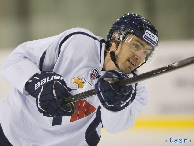 SR Hokej KHL Slovan Šatan tréning návrat BAX