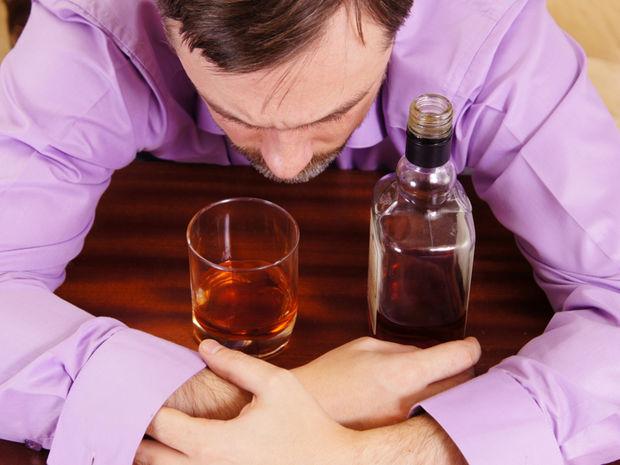 alkohol, alkoholizmus, problém, alkoholik